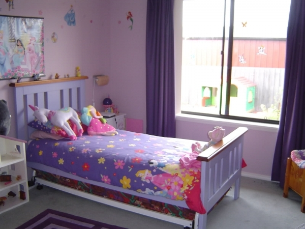 Awesome Bedroom Kids Bedroom Arrangement Teenage Room Decorating Ideas For Decorate A Teen Girls Bedroom With Single Size Bed And Small Room