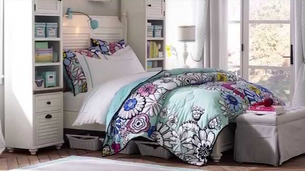 Gorgeous Whitney Teen Furniture For A Gorgeous Teen Girl Bedroom Pbteen Pottery Barn Teen Small Room