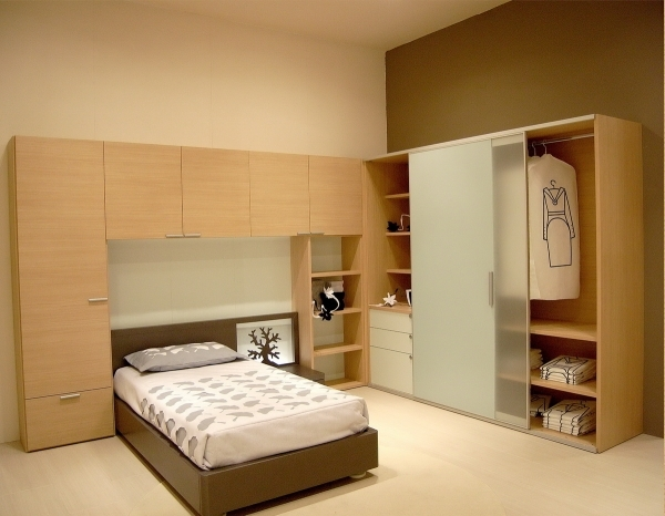 Inspiring Decorate Your Bedroom With These Closets For Small Bedrooms Ideas Wardrobe Designs For Small Bedrooms
