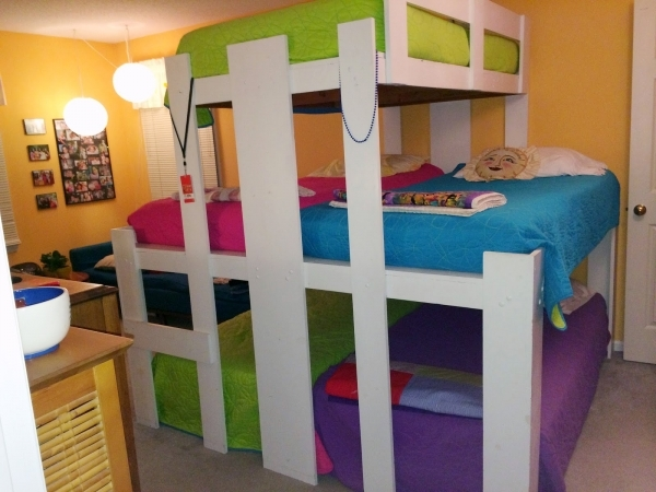 Alluring The Benefits Of Room Sharing Messymom Small Rooms For 3 Girls