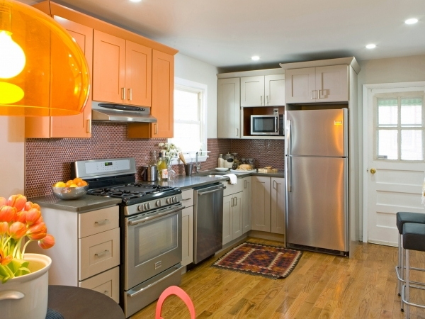 Awesome 20 Small Kitchen Makeovers Hgtv Hosts Kitchen Designs Small Kitchen Remodel