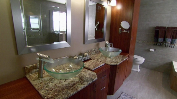 Best Long Overdue Bathroom Makeover Video Hgtv Small Master Bathroom Makeovers