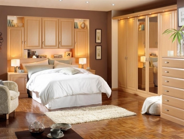 Fantastic Awesome Corner Of The Room Small Pictures Very Small Master Master Bedroom Ideas Small