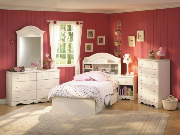 Inspiring Room Design Ideas For Teenage Girls With Small Rooms 3 Zoomtm Small Rooms For 3 Girls