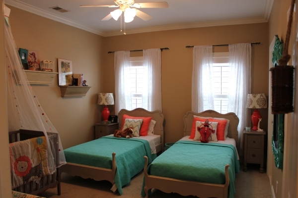Delightful Bedroom Beautiful Youth Twin Bed Sets Ideas Photos With Twin And Small Bedroom With Twin Beds