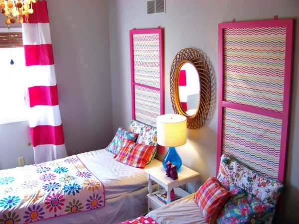 Stunning Sweet Small Bedrooms For Girls With White Wooden Square Table For Small Bedroom For Girls
