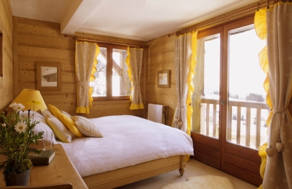 Remarkable Beautiful Mountain House Small Bedroom Interior Design With Winter Beautiful Small Master Bedrooms