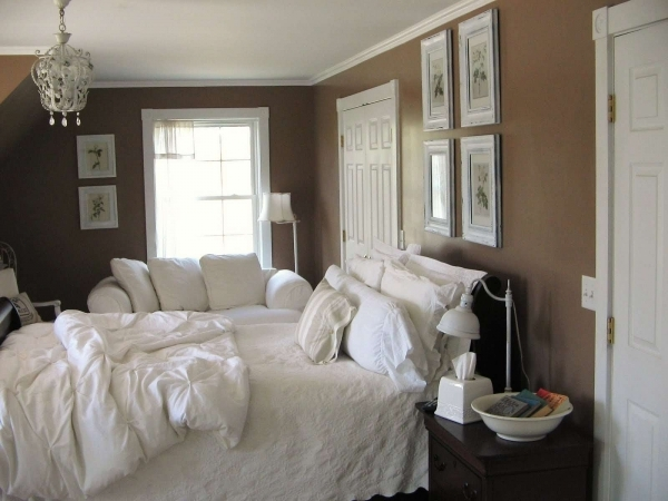 Remarkable Modern Small Master Bedroom Decorating Ideas Showing Warm Accent Beautiful Small Master Bedrooms