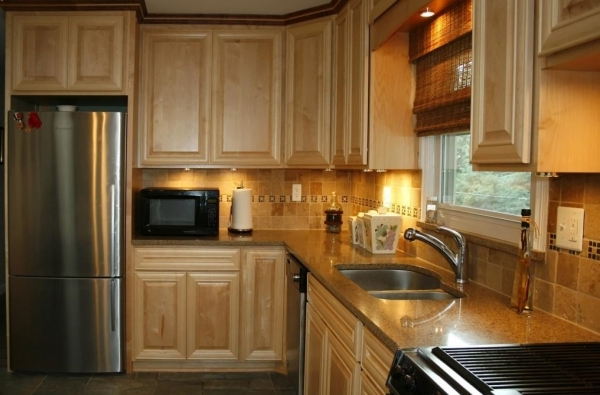 Stunning Small Kitchen Remodel Dreamandactionco Small Kitchen Remodel Ideas