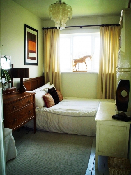Image of 1000 Images About Small Bedroom Decorating Ideas On Pinterest Small Bedroom Decor