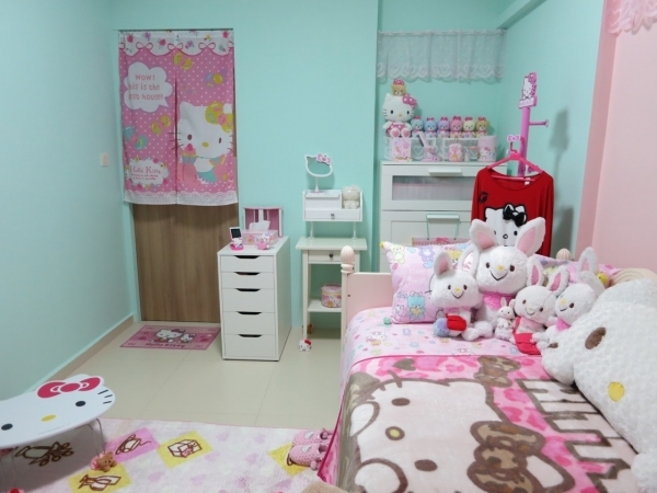Incredible Cute Small Bedroom Inspiration For Girl Kids Room Decorating With Hello Kitty Theme Bedroom Furniture Sets Small Bedroom For Girls
