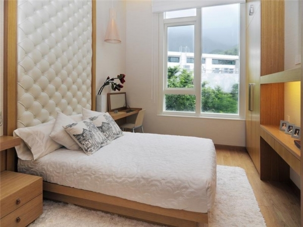 Stunning 5 Tricks For Decorating A Small Bedroom Trey39s Tips For A Better Small Couples Room Decoration