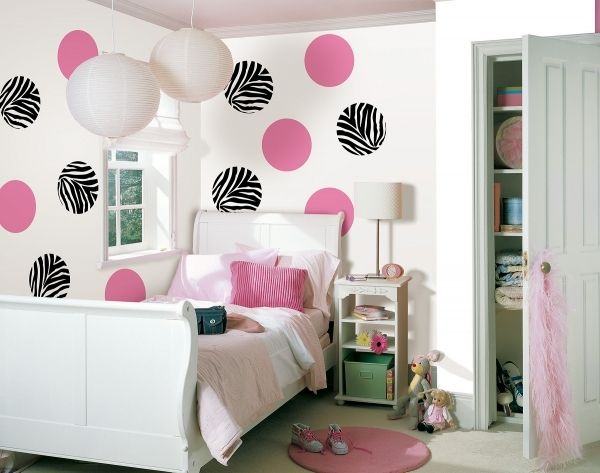 Fantastic Teenage Girl Room Decor Ideas Teen Girls Bedroom Ideas Teen Room Decorate A Teen Girls Bedroom With Single Size Bed And Small Room
