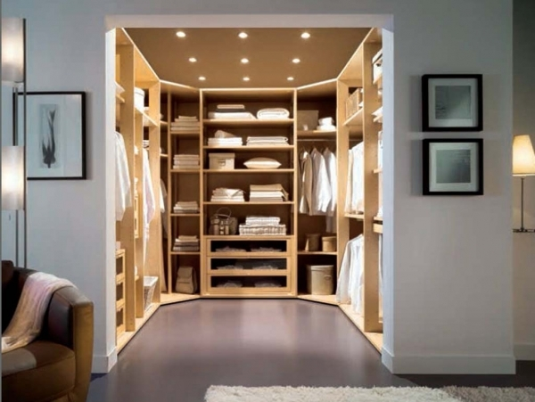 Awesome Lovely Walk In Wardrobe Small Room Interior Plebio Interior And Small Walkin Wardrobe