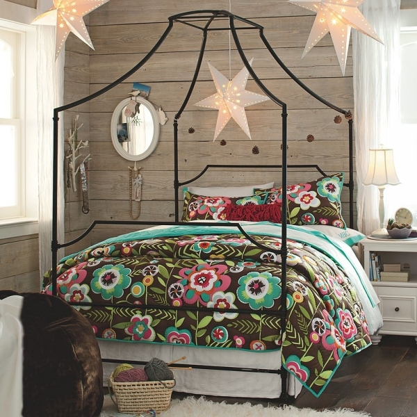 Stylish Is It Bad That I Want A Bed From Pb Teen Design Manifestdesign Pottery Barn Teen Small Room