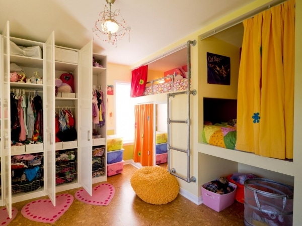 Amazing Awesome Bedroom Ideas For 3 Kids With Additional Small Home Decor Small Rooms For 3 Girls