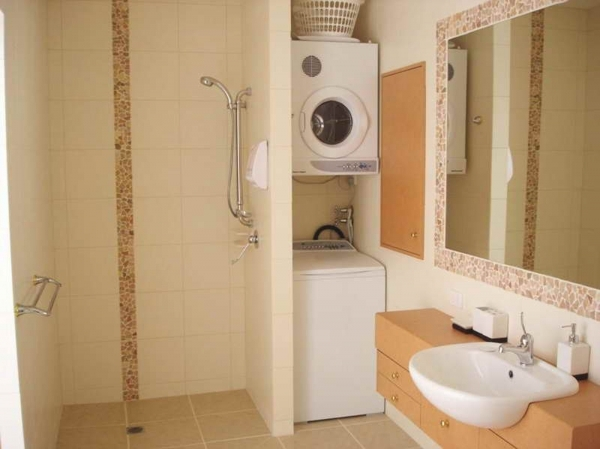 Remarkable Small Bathroom Colors And Ideas Home Decorating Ideas Small Bathroom Color Ideas