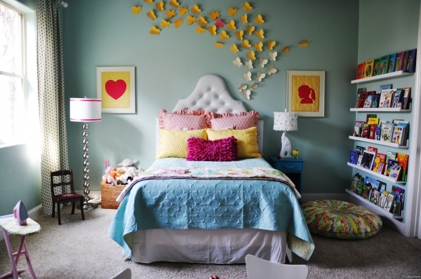 Amazing Flower On Vase Side Table Small Bedroom Dimensions Yellow Desk Bedroom Decorating Ideas Small Budget