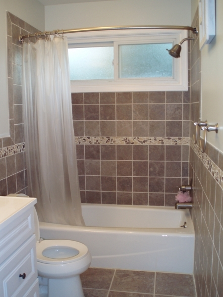 Amazing Simple Small Space Bathroom Design Ideas With Square Marble Walls Bathroom Remodel Small Space With Tub