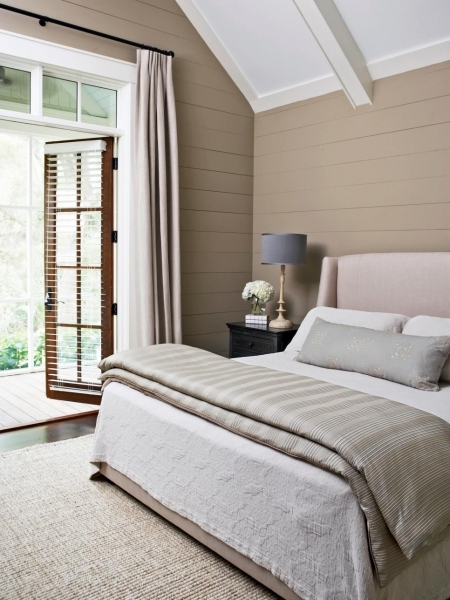 Delightful Designer Tricks For Living Large In A Small Bedroom Bedrooms Decorating Small Master Bedroom Ideas